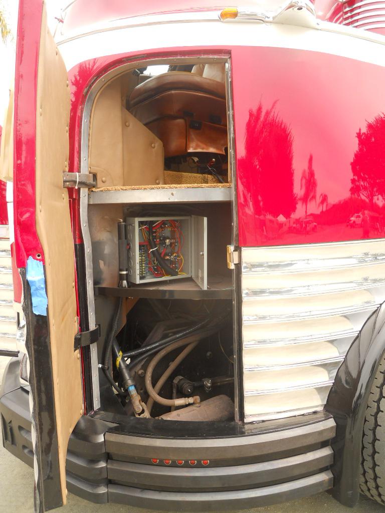 Super Gm Futurliner Pictures And History From Oldtrailer Com Door Handles Collection Olytizonderlifede