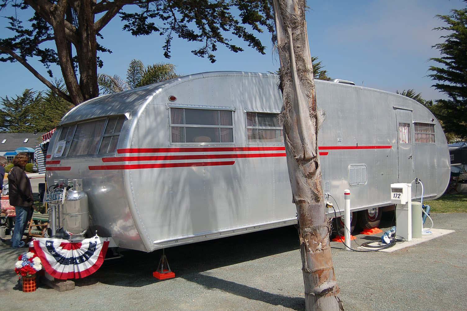 Stunning 1950 Spartanette Tandem Canned Ham Travel Trailer