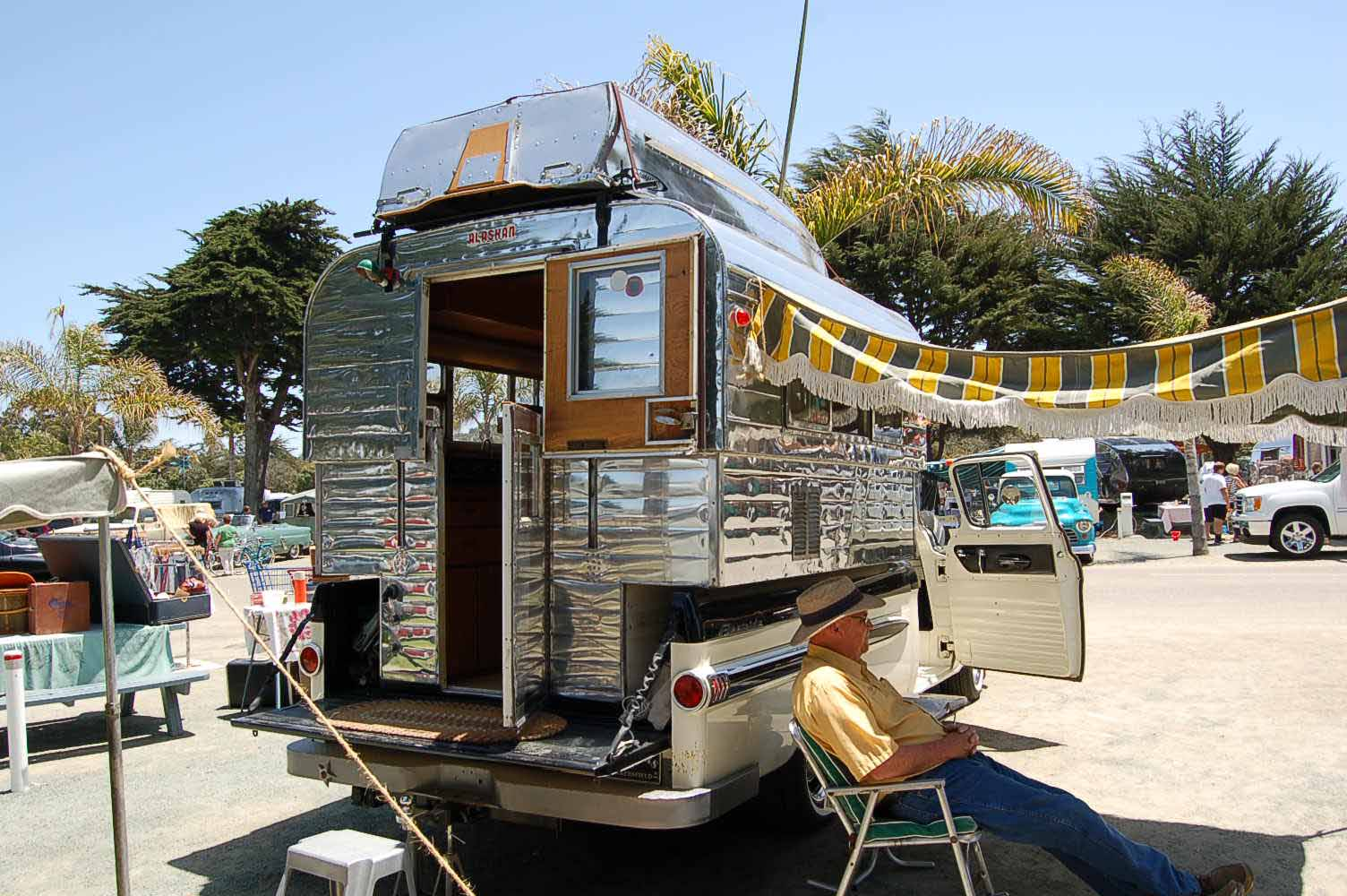 Beautifully polished vintage Alaskan Camper Unit raises and lowers to  expand the interior and give more. Vintage Truck Based Camper Trailers  from OldTrailer com