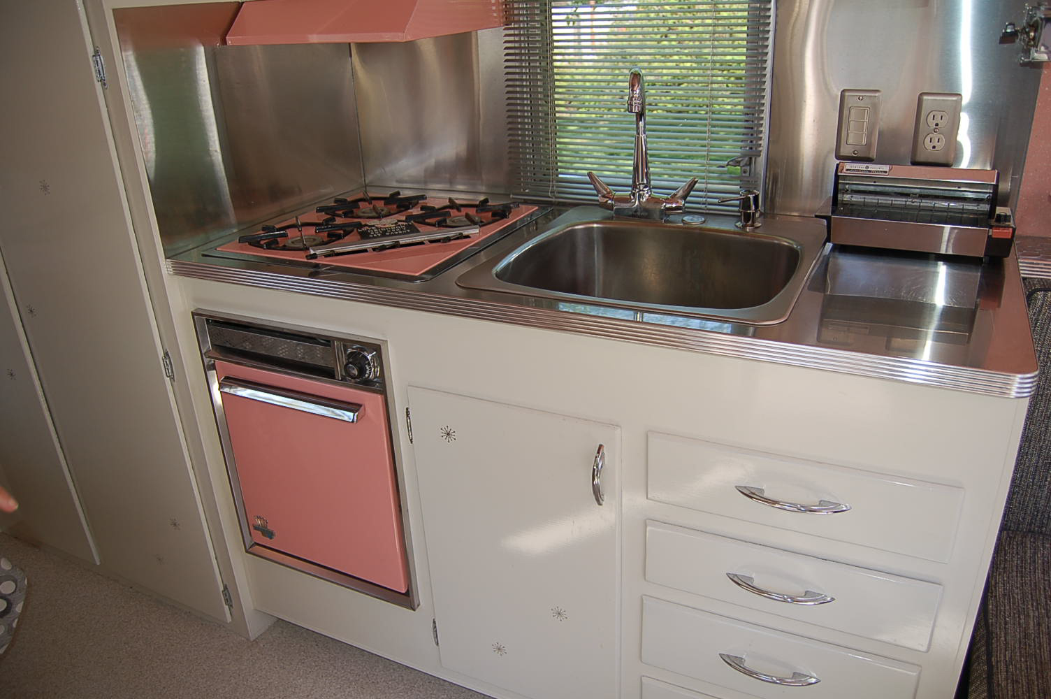 Camper Trailer Kitchen Designs Vintage Holiday House Trailer Pictures And History From