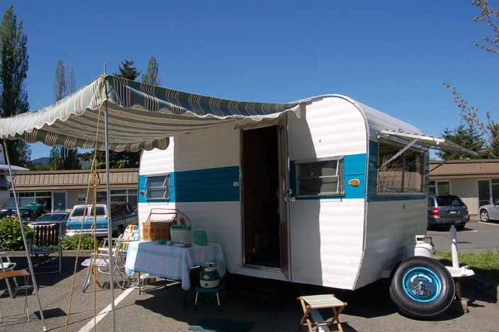 Great looking Aladdin vintage trailer at the Issaquah vintage trailer rally in washington state
