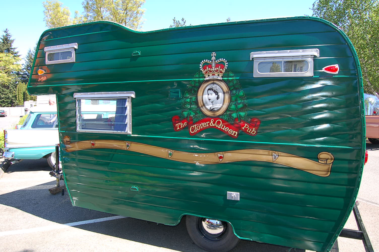 Vintage Aloha Trailer Pictures and History, from OldTrailer com