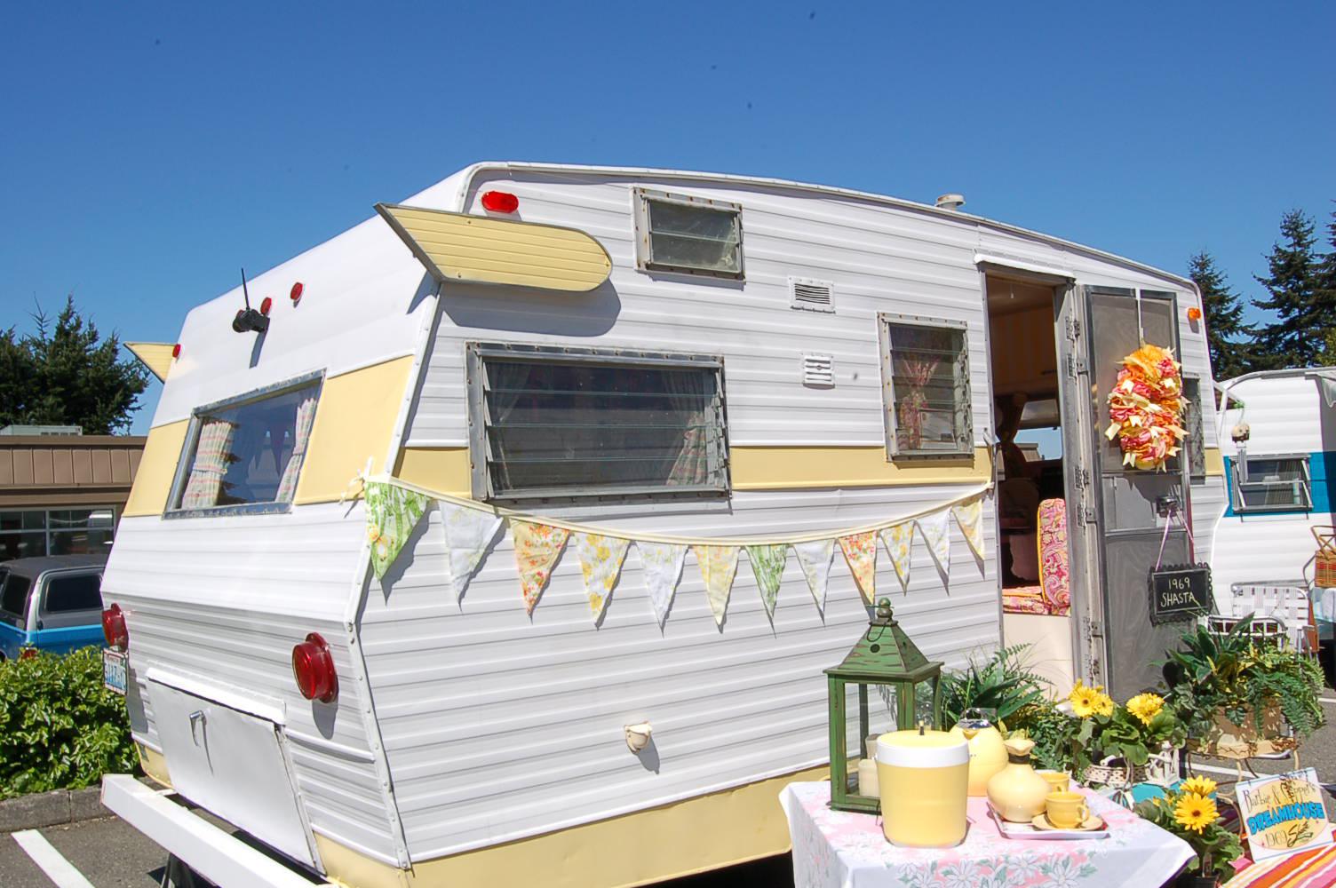 1969 shasta starflyte 600 jpg 1504 1000 camper trailers pinterest